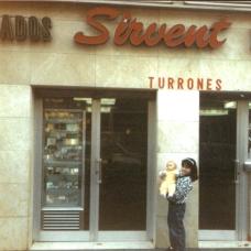 Fa uns anys, a la botiga de la Ronda Sant Pau 3, Barcelona, Sirvent 1926